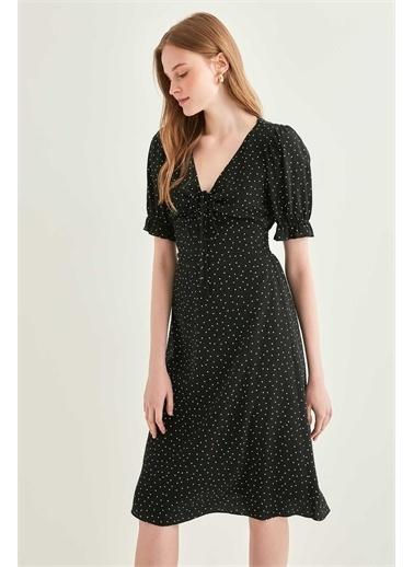 Vitrin VİTRİN V Yaka Fırfır Kol Detaylı Puantiye Desenli Elbise Siyah